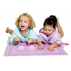 Win a colour changing bath mat from Cuddledry